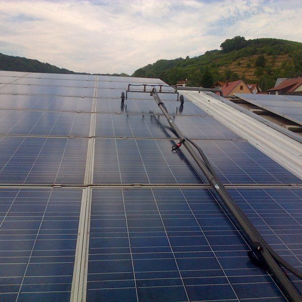 Photovoltaik- und Solaranlagenreinigung Vorher